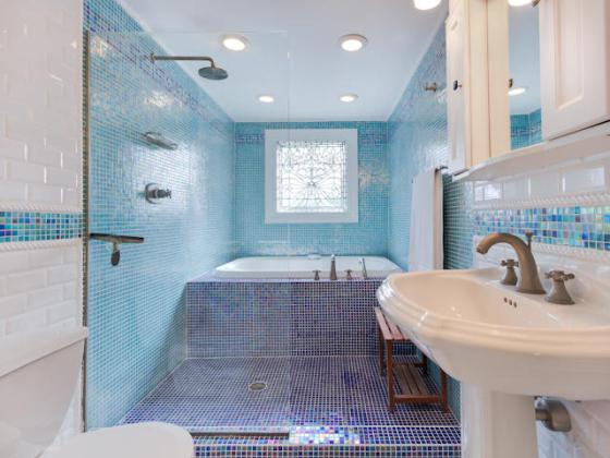 Tub in shower: Amazing Bathroom